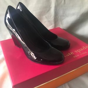 NIB- Kate Spade Buffy 2 wedge